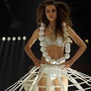 Schriller Entwurf: Berlins Ruf als Avantgarde-Metropole lockt auch Modeevents wie die Show MTV Designerama