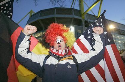 USA in Deutschland wirtschaftlich fest verwurzelt: Fußballfan beim Länderspiel