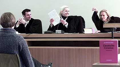 Rechtsreferendare: Vielen wird der Spaß beim Berufsstart vergehen