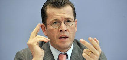 """Bundeswirtschaftsminister zu Guttenberg: """"Wir haben noch nicht mal ein industrielles Konzept seitens Fiat oder eines anderen Investors"""""""