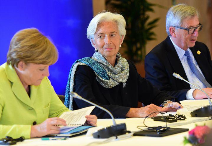 """Merkel, Lagarde (beim x-ten Krisengipfel am 22. Juni): Ein klassischer """"Haircut"""" kommt für die Bundeskanzlerin nicht in Frage. IWF-Chefin Lagarde hatte dagegen zuletzt einen Schuldenschnitt gefordert"""