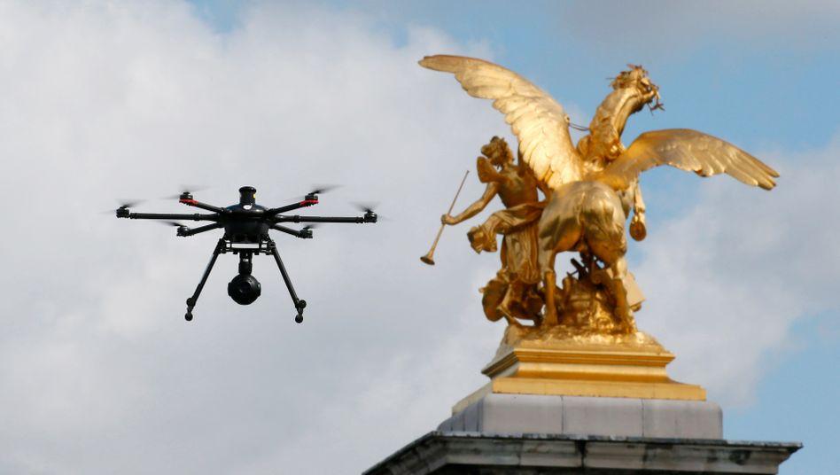 Drohne im Einsatz in Paris