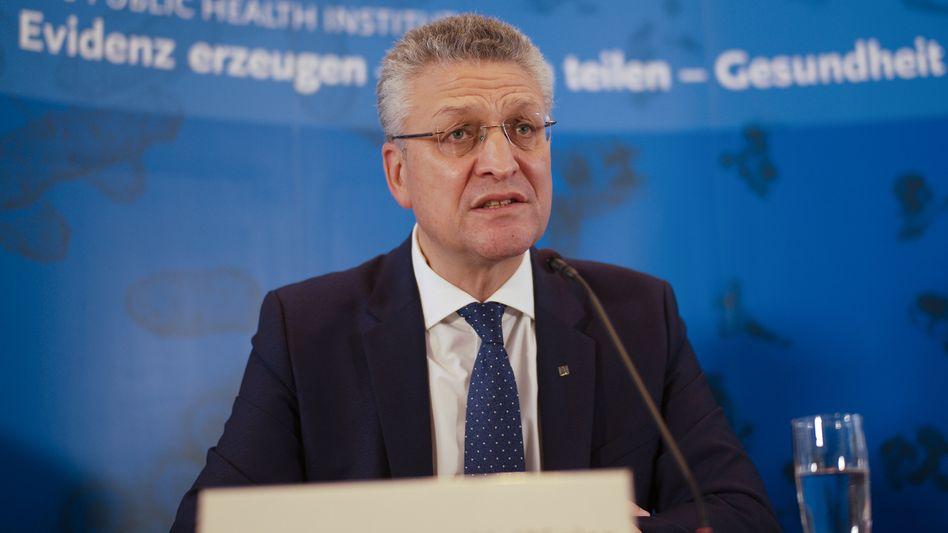 """""""Wir wissen noch nicht, ob das eine stabile Entwicklung ist"""", sagt RKI-Chef Lothar Wieler am Donnerstag zu den neu veröffentlichten Infektionszahlen"""
