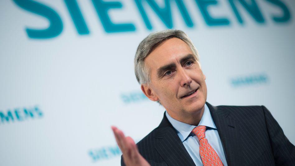 Kein schnelle Besserung: Siemens-Chef Peter Löscher rechnet erst 2014 mit deutlich steigenden Gewinnen bei Deutschlands größtem Elektrokonzern Siemens