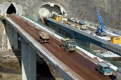 Ausnahme-Projekt einer lahmenden Branche: Bau der neuen Autobahn 17 von Prag nach Dresden an den Tunnels Coschütz und Dölzchen