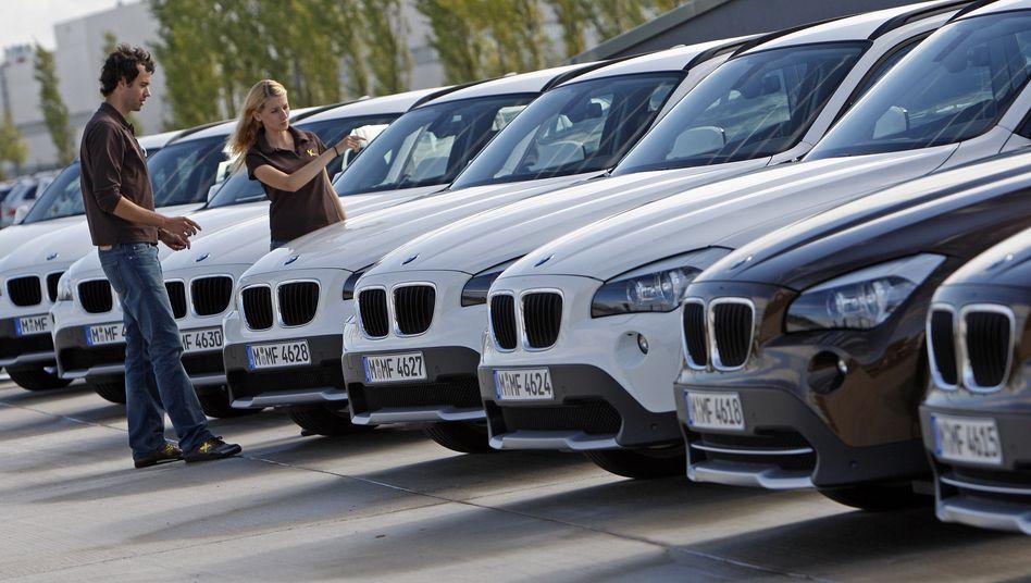 Neuwagenkauf: Kunden warten wieder länger