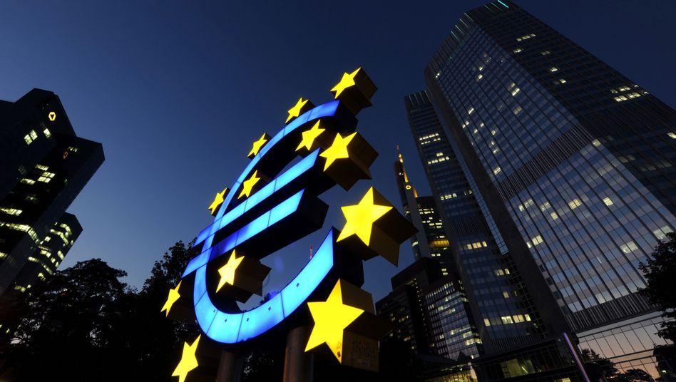Frankfurter Euro-Tower: Zum Abschied von Jean-Claude Trichet tagt der EZB-Rat auswärts