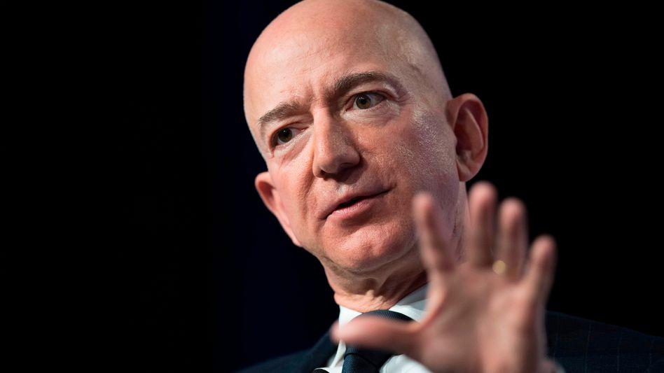 Amazon-Chef Jeff Bezos wollte einem Verfahren in Deutschland entgehen und will jetzt Händler auf den eigenen Plattformen mehr Rechte einräumen