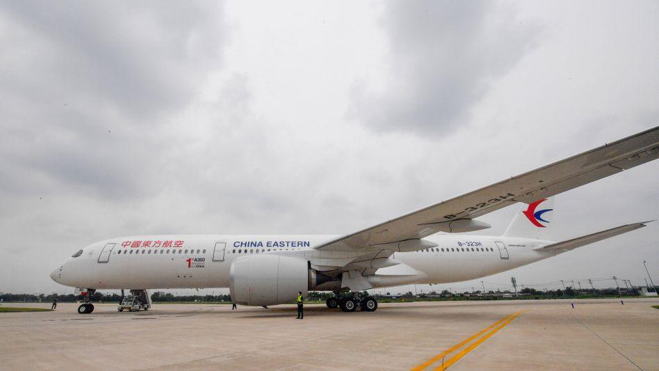 Davon soll es nun auch eine Frachtversion geben: Langstreckenflugzeug A350 von Airbus
