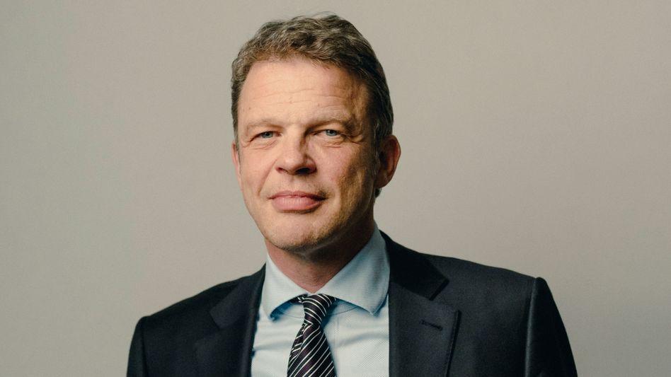 Höhenflug: Deutsche-Bank-Chef Christian Sewing hat früher als erwartet eine Vertragsverlängerung bekommen, und die gleich für fünf Jahre