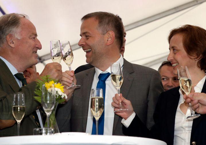 Jubel bei den AfD-Spitzenpolitikern Gauland, Holm und Storch