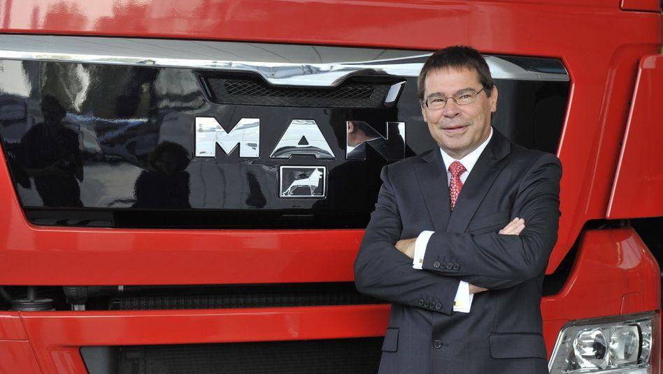 Der ehemalige Vorstandsvorsitzende der MAN Nutzfahrzeuge AG, Anton Weinmann (Archivbild), soll von der Korruption in dem Konzern gewusst haben