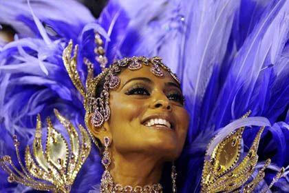 Rio: Samba-Rhythmen in den Straßen