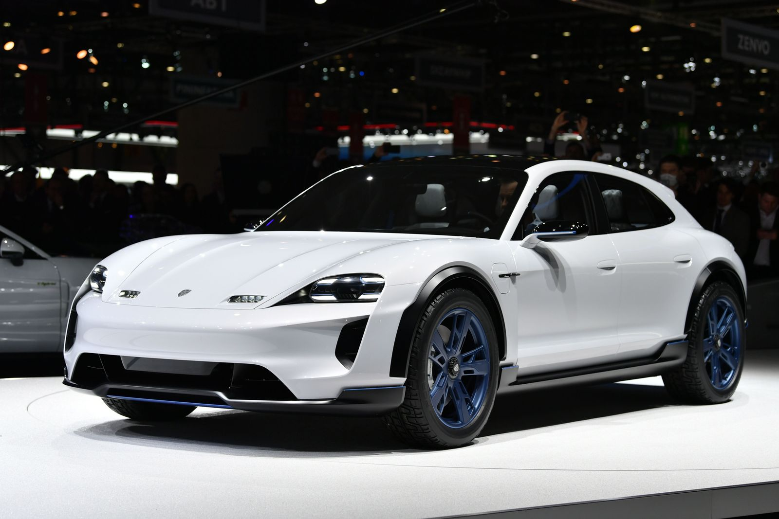 Porsche Mission E Cross Turismo / Genf