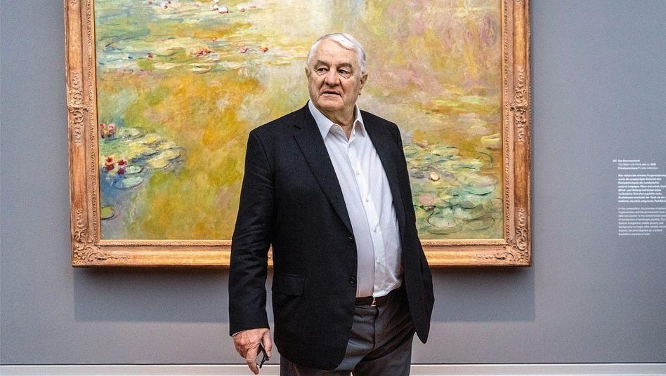 Alte Meister: Hasso Plattner vor einem Monet-Bild