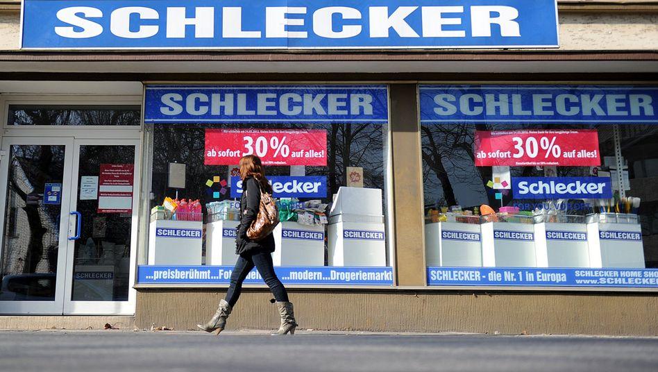 Schlecker: Transfergesellschaft für entlassene Mitarbeiterinnen geplant