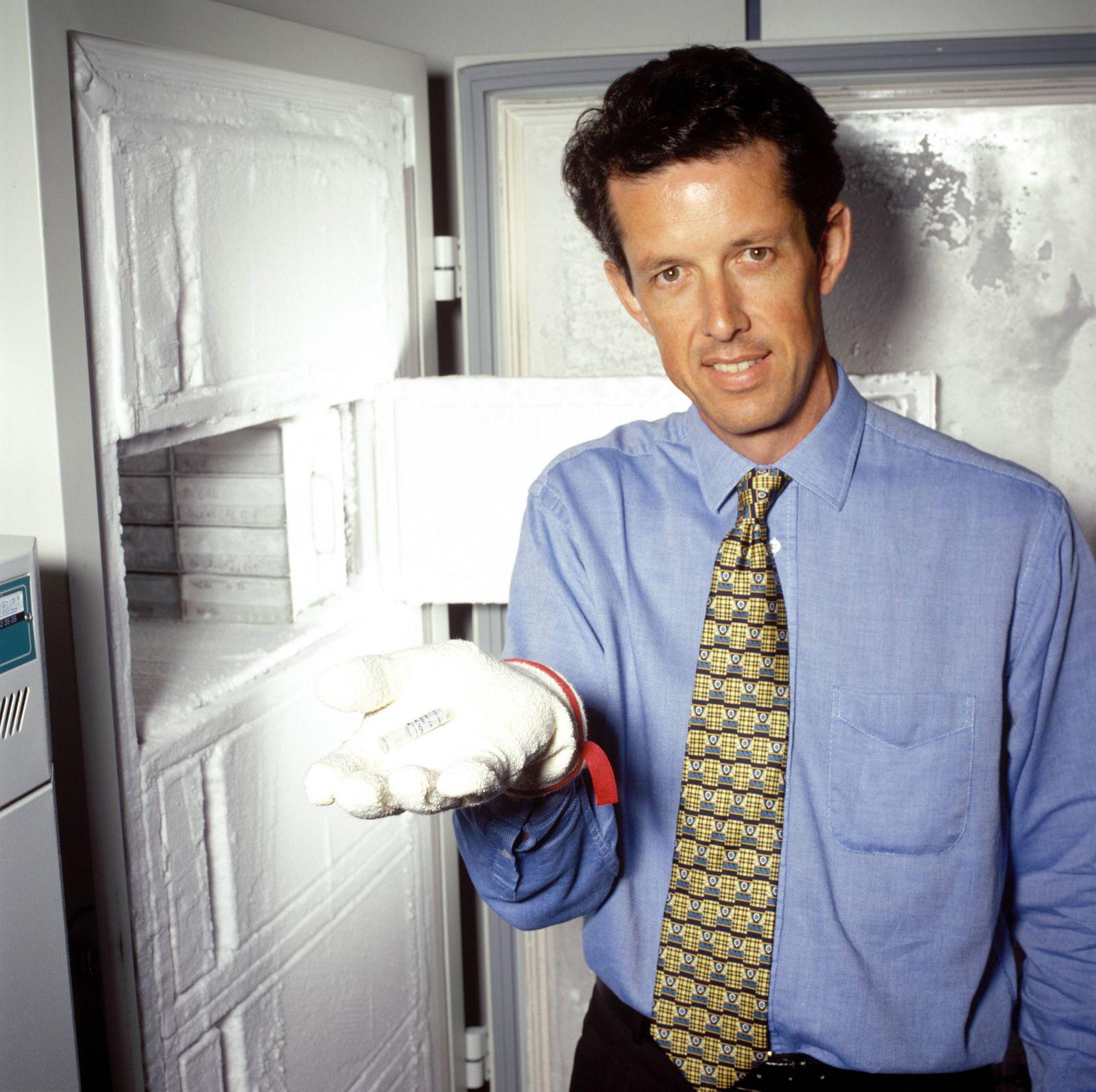Dr. Simon Moroney