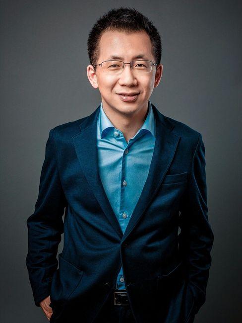 Politisch unkorrekt: TikTok-Erfinder Zhang Yiming musste sich bereits bei den chinesischen Zensoren entschuldigen, im Westen greifen Datenschützer seine Erfolgsapp an.
