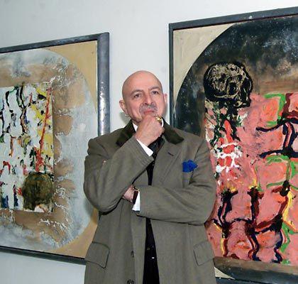 """""""Dürers Gärten"""": Der Künstler Markus Lüpertz im November 2001 zwischen zwei Bildern aus seinem gleichnamigen Zyklus"""