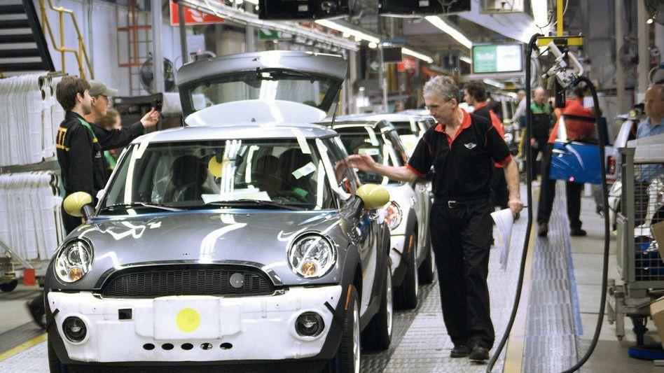 Mini-Produktion bei BMW im britischen Werk Oxford: Schließung des Werkes bei Störung der Lieferkette