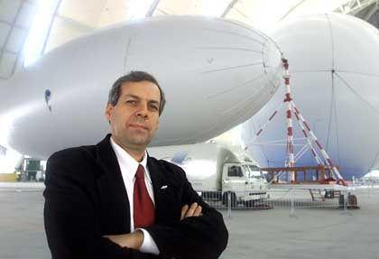 Der Vorstandsvorsitzende der Cargolifter AG, Carl-Heinrich Freiherr von Gablenz