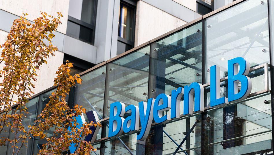 BayernLB-Zentrale in München: Streit mit Österreich eskaliert