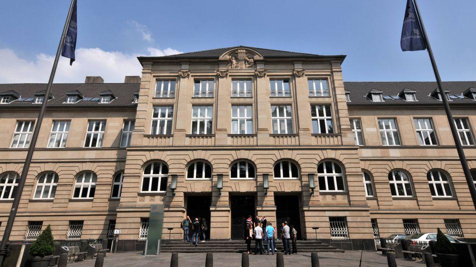 Eugen Schmalenbach lehrte ab 1903 als Dozent an der Handelshochschule Köln, die später in der Universität Hamburg aufging.
