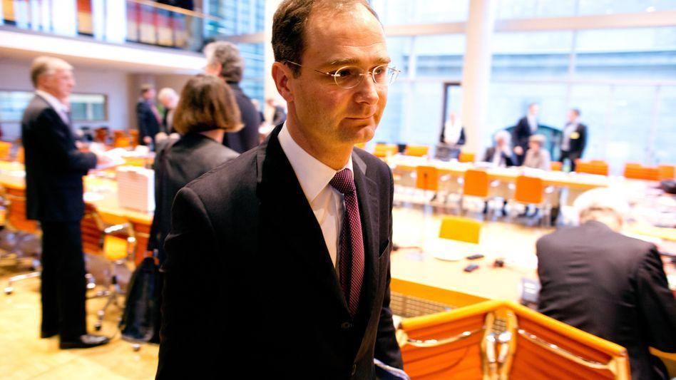 Bild aus schlechteren Tagen: Stephan Leithner, damals noch Deutsche-Bank-Personalvorstand, nach einer Anhörung vor dem Finanzausschuss des Bundestages zum Libor-Skandal.