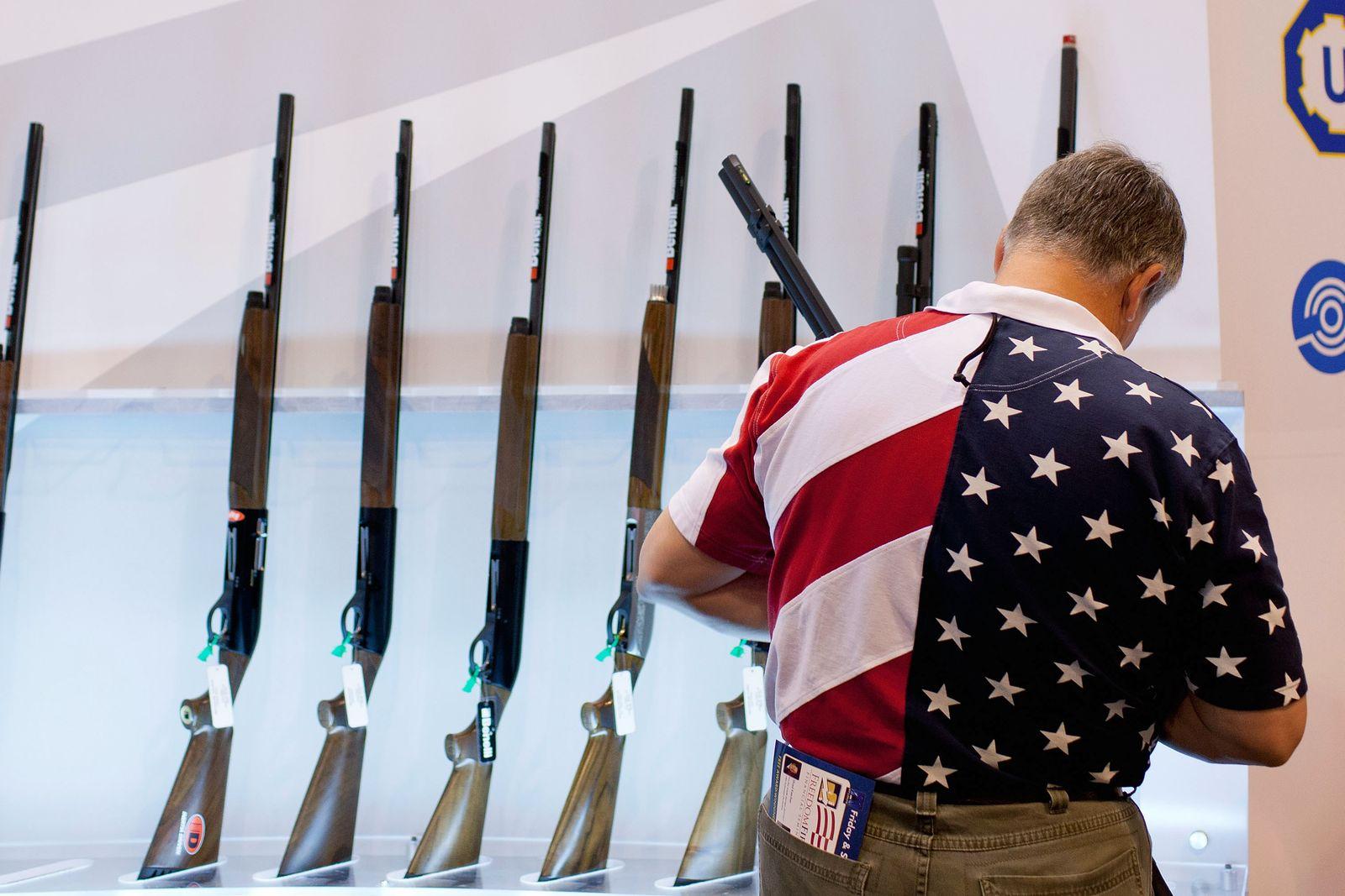 NRA / Messe für Waffen