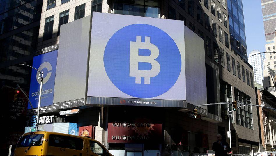 Bitcoin-Logo am New Yorker Times Square: Die Kryptowährung erlebt einen nie dagewesenen Hype