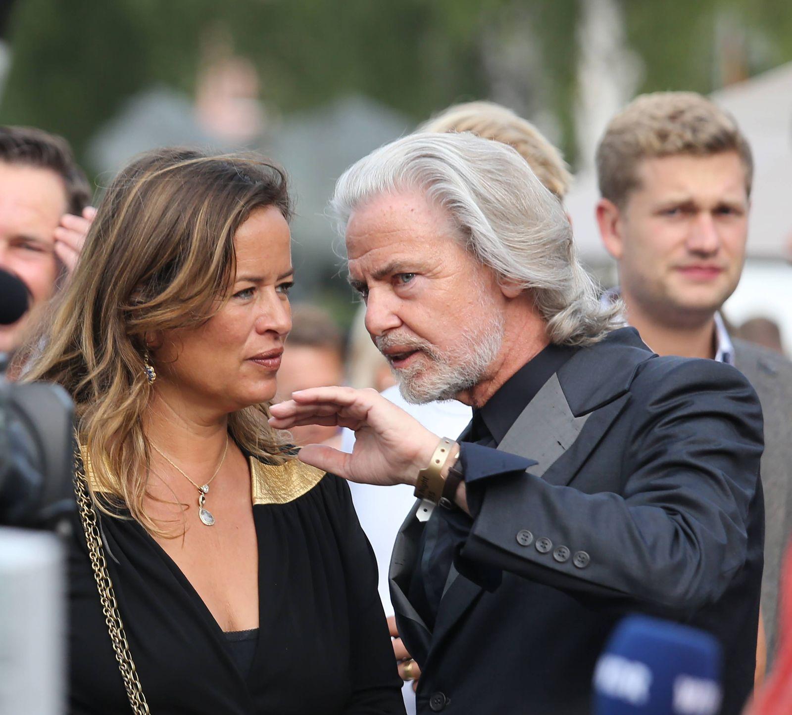 EINMALIGE VERWENDUNG Jade Jagger, Herrmann Bühlbecker
