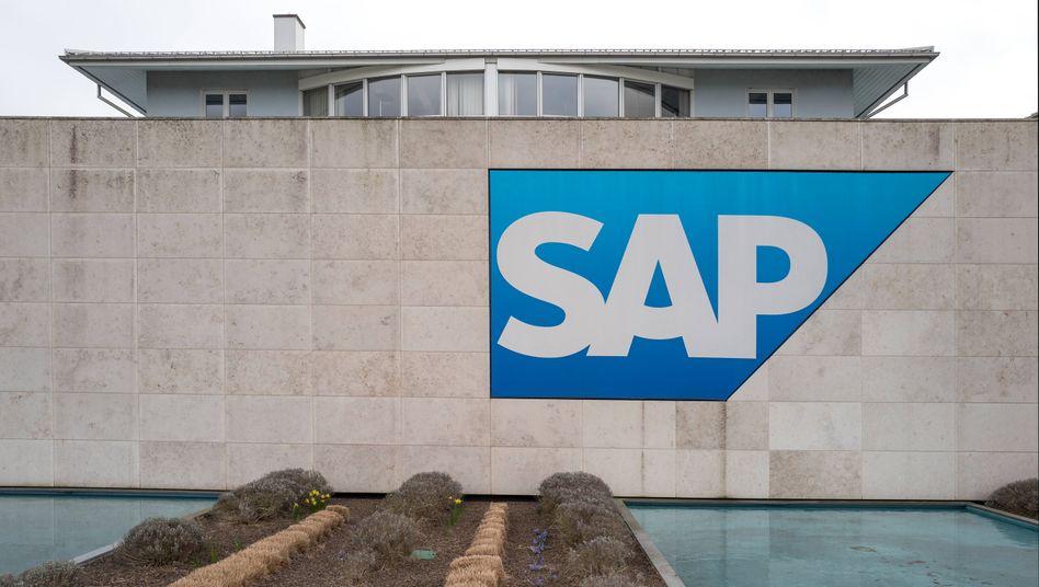 SAP Zentrale in Walldorf: Der Softwarekonzern will stärker in branchenspezifische Clouds investieren