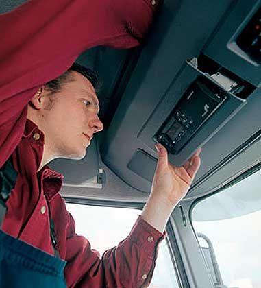 """""""In wenigen Stunden ist alles erledigt"""": Werbeslogan von Toll Collect für den Einbau von On Board Units"""