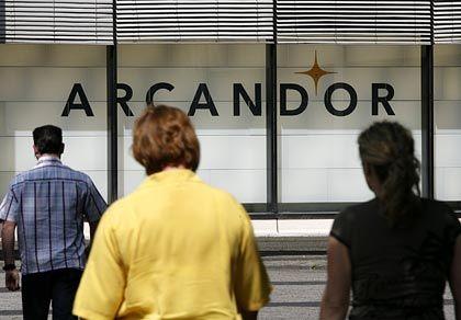 Vor dem entscheidenden Rettungsversuch: Banken geben sich gegenüber Arcandor-Plan zugeknöpft