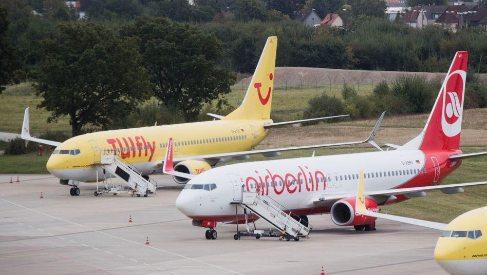 Eine neue Ferienfluglinie soll entstehen: Bei Tuifly sorgen die Pläne für massenhafte Krankmeldungen, so dass die Fluggesellschaft alle Flüge für heute absagen muss