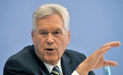 Michael Glos (CSU) ist Bundesminister für Wirtschaft und Technologie