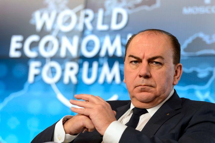 Strenger Blick aus der Schweiz: UBS-Oberhaupt Axel Weber