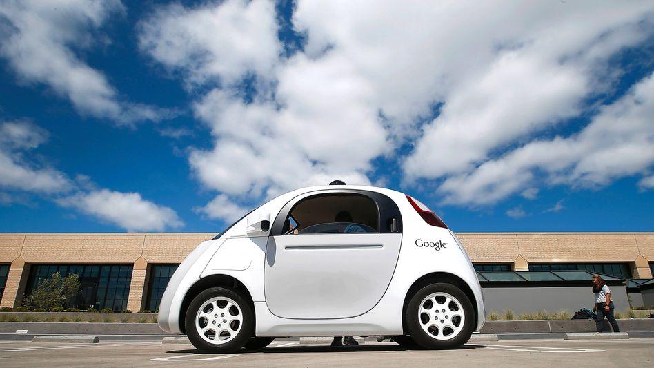 Prototyp des Google-Roboterautos: Für Senioren wäre es ein ideales Fortbewegungsmittel, meinen Fachleute