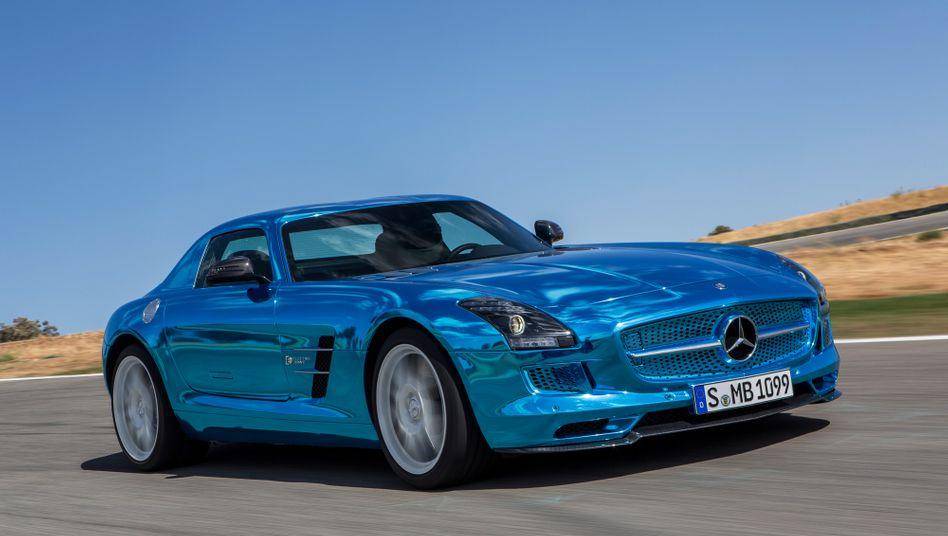 Mercedes Benz SLS AMG Electric Drive: Auch Autos, die noch nicht in Serie gebaut werden, steigern Image und Markenwert deutscher Autobauer. An manches Unternehmen aus den USA kommen sie aber nicht heran.