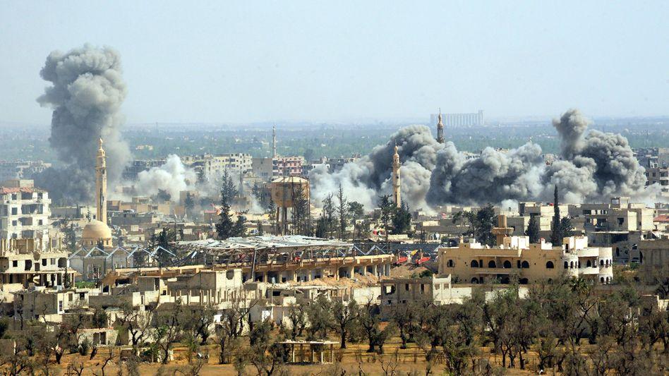 Syrische Stadt Duma: Syrische Regierungstruppen haben heute morgen die Kontrolle über die Stadt übernommen