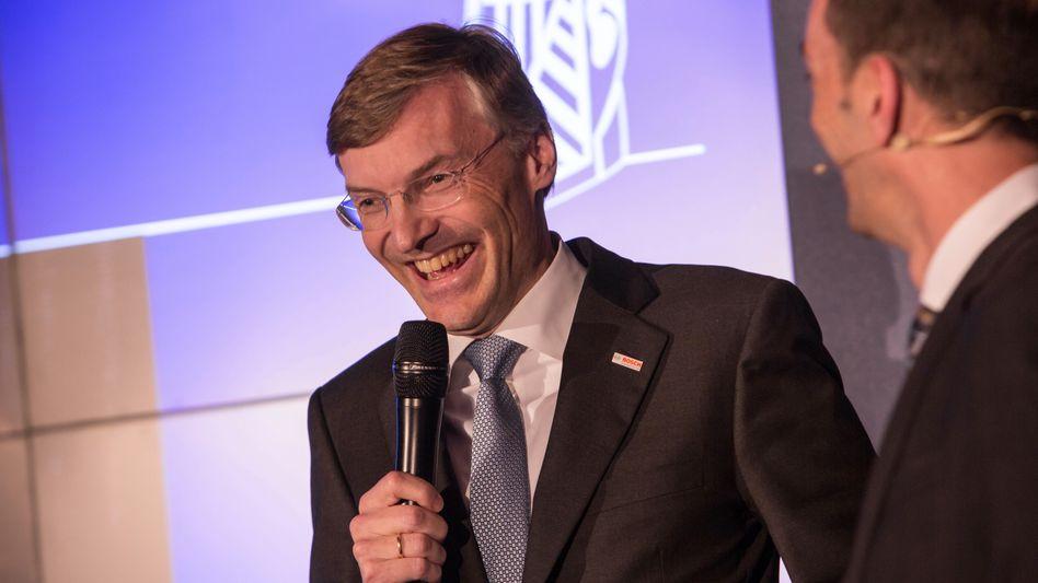 An Zahlen und Erfolgen kann es nicht gelegen haben: Wolf-Henning Scheider, hier auf der Preisverleihung der Imageprofile 2014 des manager magazins mit mm-Vize Martin Noé, verlässt Bosch.