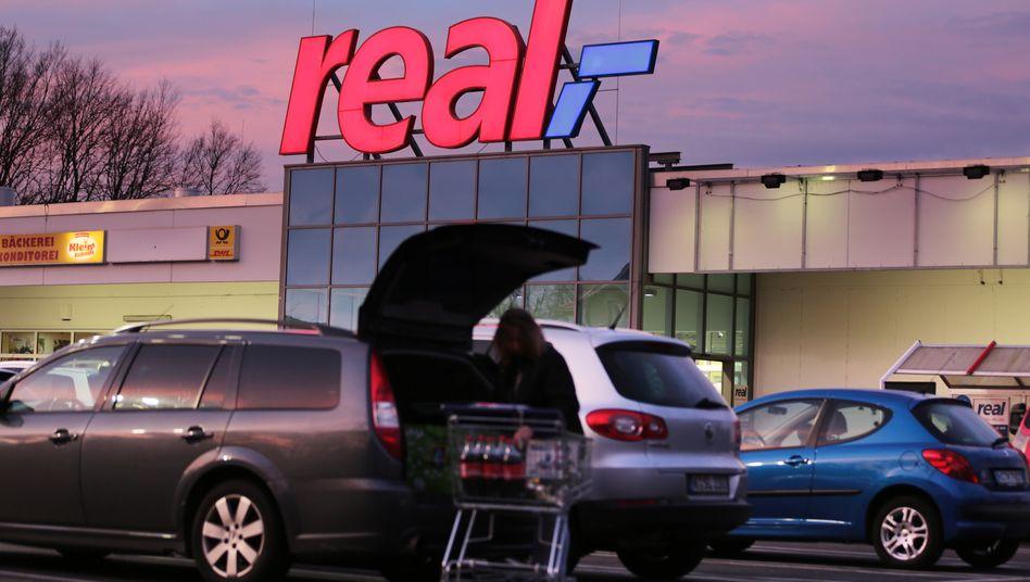 Ganz Real in Schwierigkeiten: Die Supermarktkette kämpft trotz Corona-Sonderkonjunktur mit Problemen, nun soll ein erfahrener Restrukturierer ran