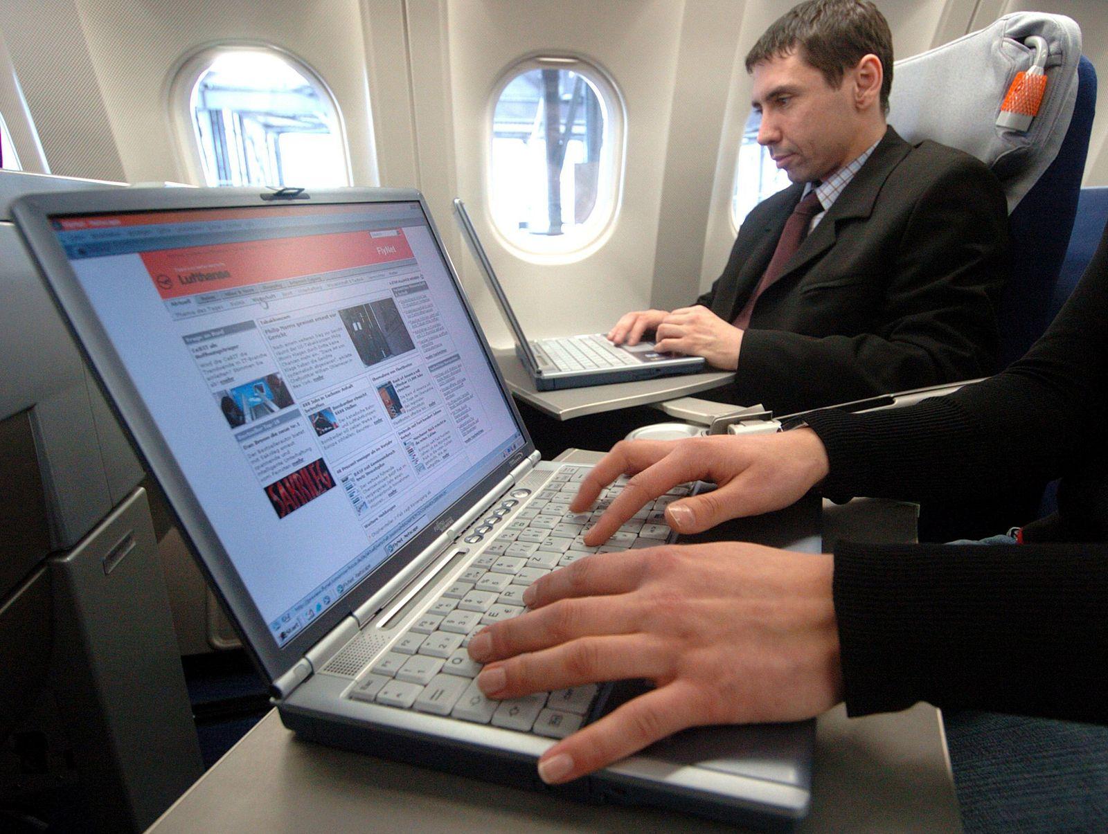 Lufthansa / Internet / Airbus A340