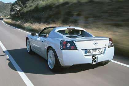 Opel Speedster Turbo: Das Zwei-Liter-Turbo-Triebwerk ist aus den Astra-Modellen bekannt