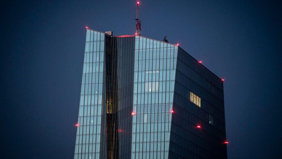 EZB weitet Anleihenprogramm um 600 Milliarden Euro aus
