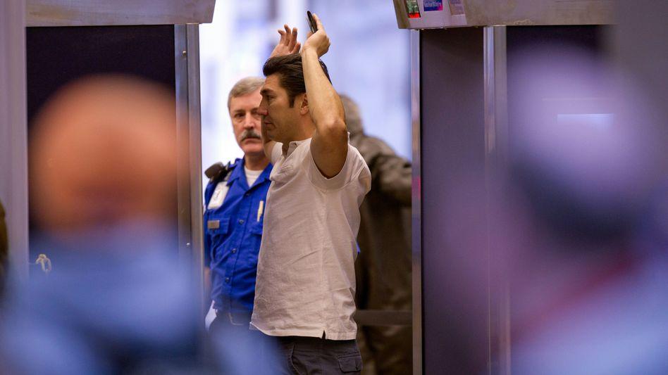 Unter Verdacht: Fluggäste können im Streitfall künftig auf unparteiischen Beistand hoffen