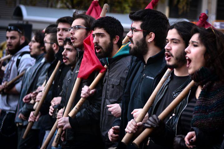 """Streik in Griechenland: Auch die EZB wartet auf spürbar steigende Löhne als """"Schlüssel"""" zur wirtschaftlichen Erholung"""