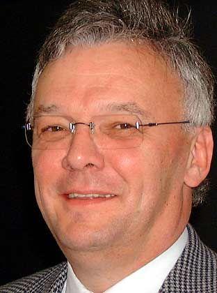 Norbert Berthold, Inhaber des Lehrstuhls für Volkswirtschaftslehre, Wirtschaftsordnung und Sozialpolitik an der Universität Würzburg