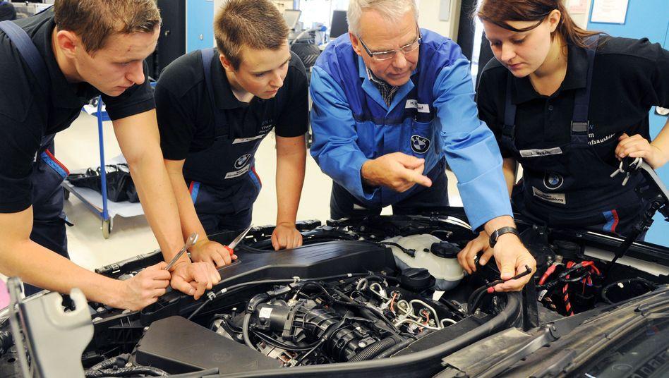 Der Fachkräftemangel in manchen Branchen und Regionen Deutschlands wird für Mittelständler zum ernsthafen Problem