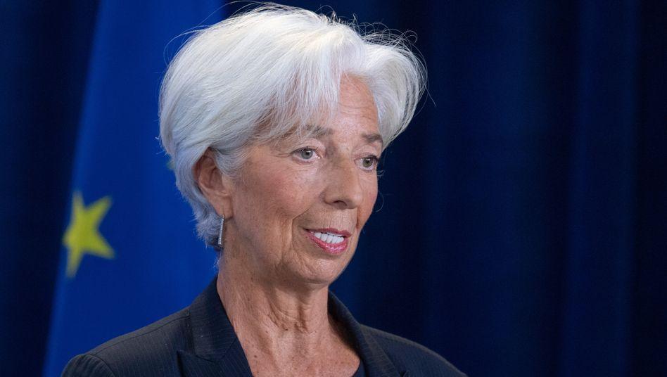 Lockert die Zügel für die Banken ein wenig: Christine Lagarde (r.), Präsidentin der EZB